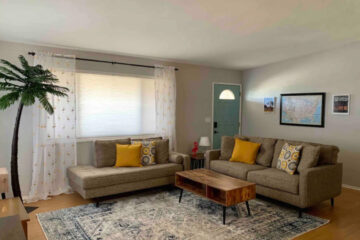 VHR101-Indian-Cove-Flamingo-House-Living-Room